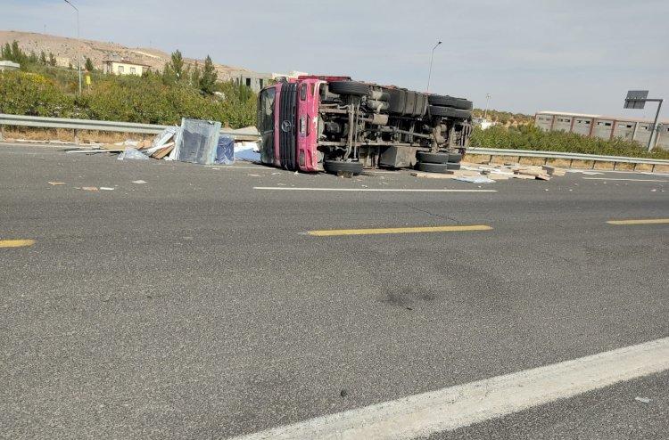 Nizip'te Kaza 2 hafif yaralı