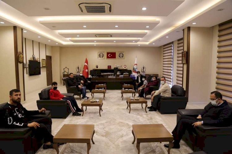 Büyükelçi Hassen'den Belediye Başkanı Sarı'ya ziyaret