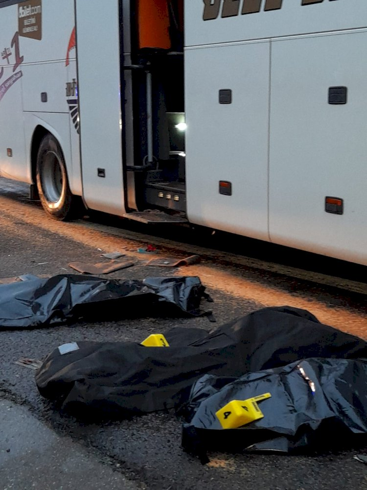 Birecik'te yolcu otobüsü kamyona çarptı: 3 ölü, 41 yaralı