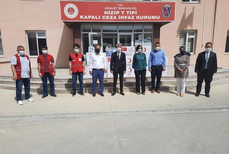 Nizip Kızılay'dan mahkum çocuklarına yardım