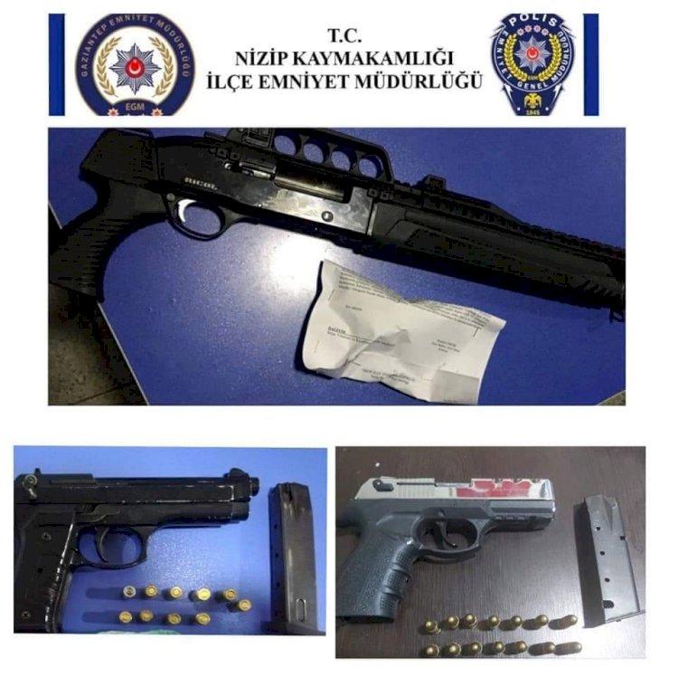 Polis uyuşturucu ve silah ele geçirdi