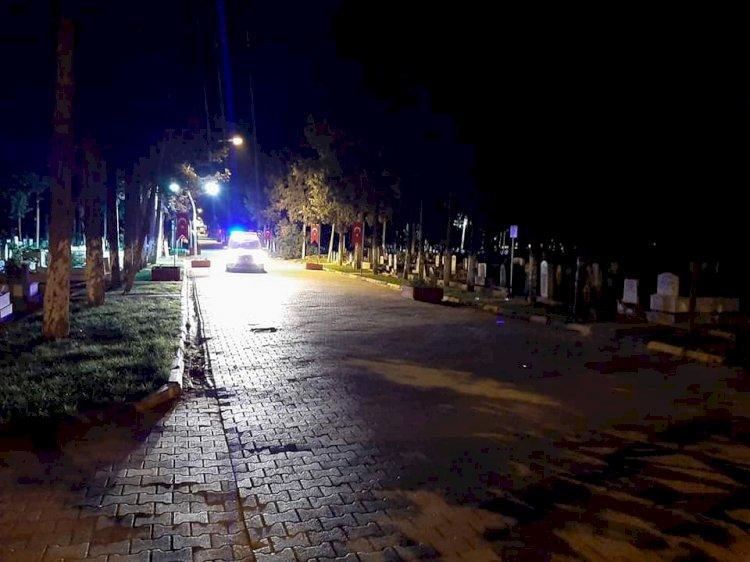 Polis mezarlıkta uyuşturucu şüphelisi aradı